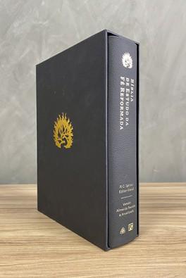 A Bíblia de Estudo da Fé Reformada - Capa Couro Legítimo Preto e Estojo